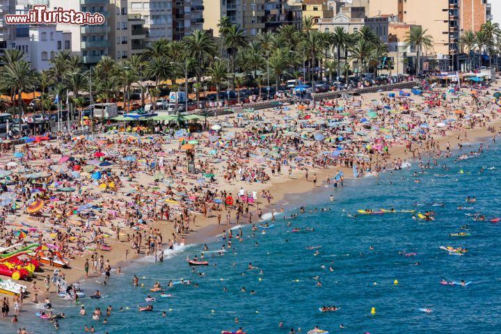 Spiaggia a lloret de mar catalogna spagna si - Lloret del mar meteo ...
