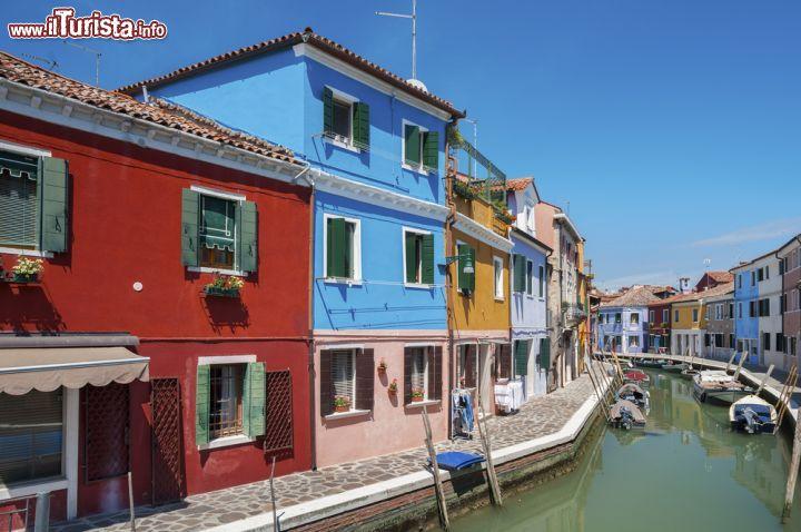 Tipiche case di burano un festival di colori foto for Famose planimetrie delle case