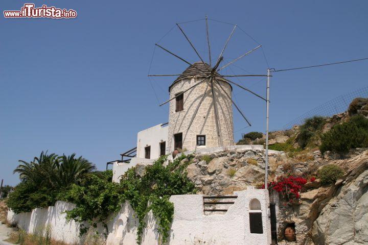 Tipico Mulino A Vento Di Naxos Grecia Uno Foto Naxos