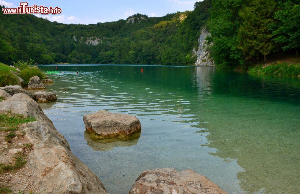 I laghi di lamar nella valle dei laghi in trentino - Laghi dove fare il bagno veneto ...