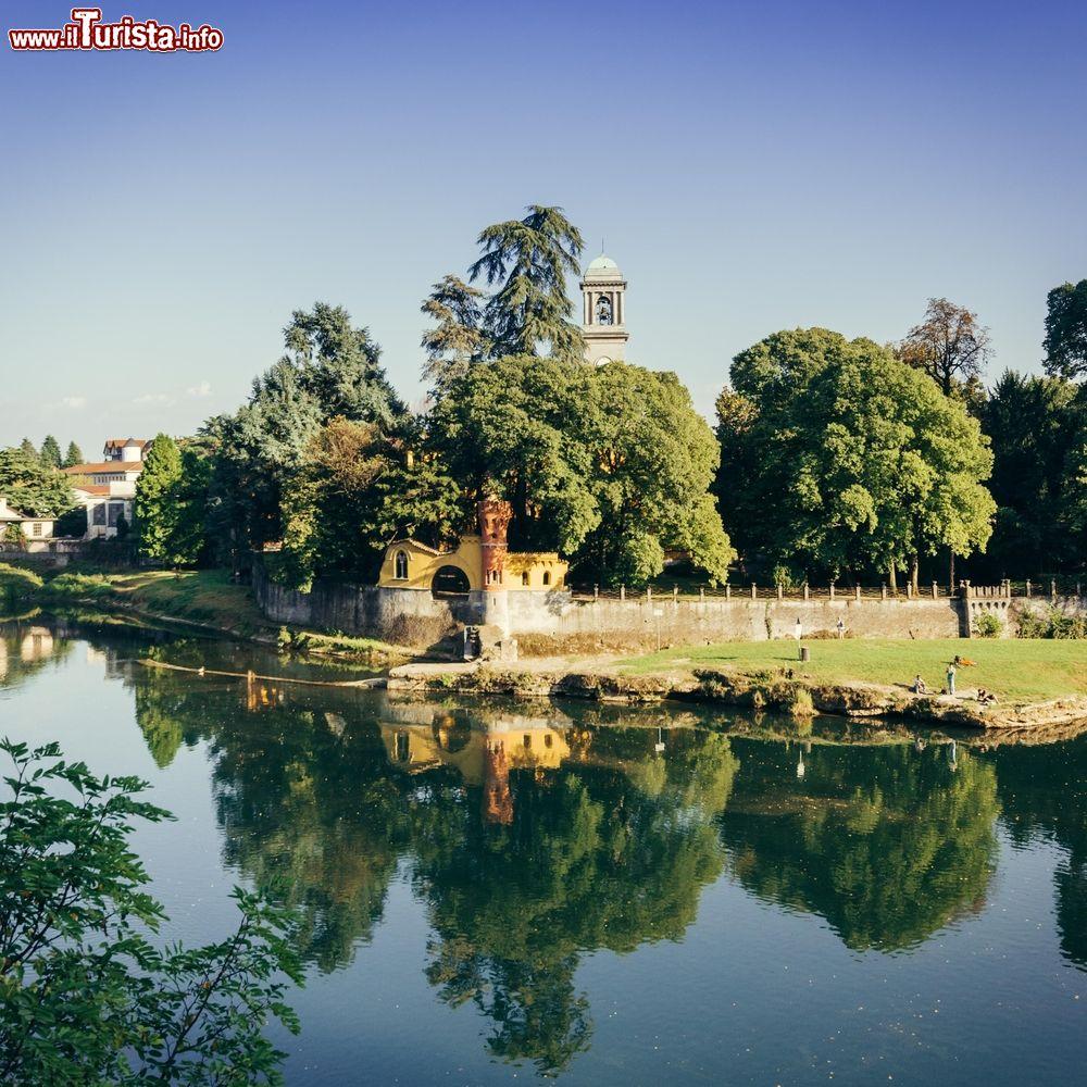 Uno scorcio del parco di villa melzi d 39 eril foto for Cabine sul bordo del fiume