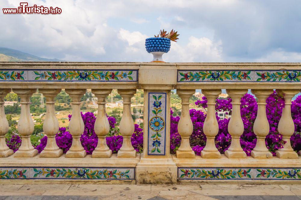 Santo Stefano di Camastra (Sicilia); mare, spiagge e cosa vedere nel paese delle ceramiche