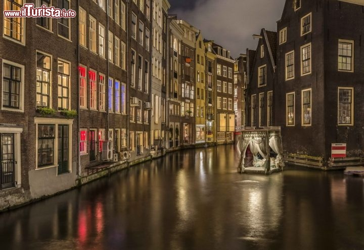 Amsterdam vacanza nella capitale multietnica dei paesi for Amsterdam vacanza
