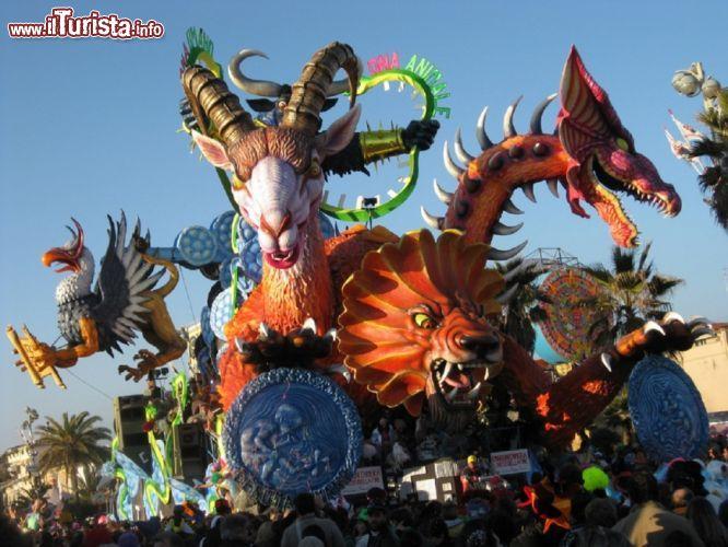 Calendario Carnevale Viareggio 2020.Carnevale In Campania 2020 I Carnevali Piu Belli E Famosi