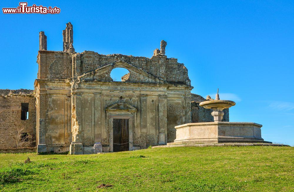 Le foto di cosa vedere e visitare a Monterano