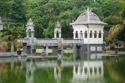 Karangasem water temple: il tempio d'acqua si trova sull'isola di Bali in Indonesia - © project1photography / Shutterstock.com