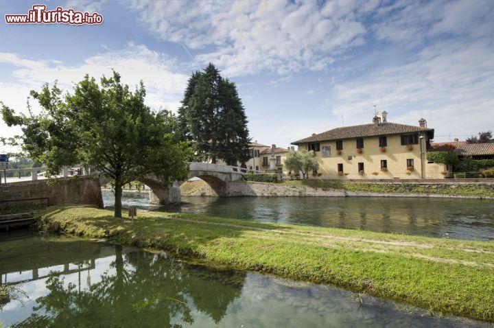 Le foto di cosa vedere e visitare a Cassinetta di Lugagnano