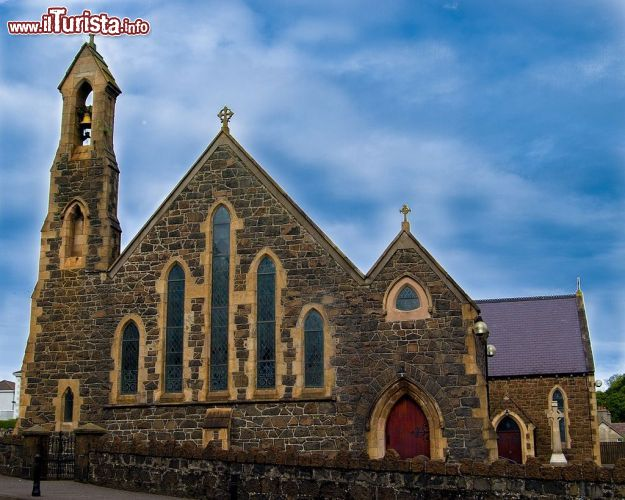 Immagine St. Mac Nissis Church, la bella chiesa del centro di Larne in Irlanda del Nord - © Danxx147 - CC BY-SA 3.0 - Wikipedia
