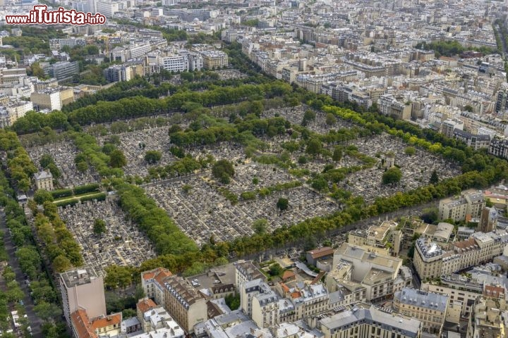 Il cimitero pere lachaise quartiere di belleville for Piscine montparnasse