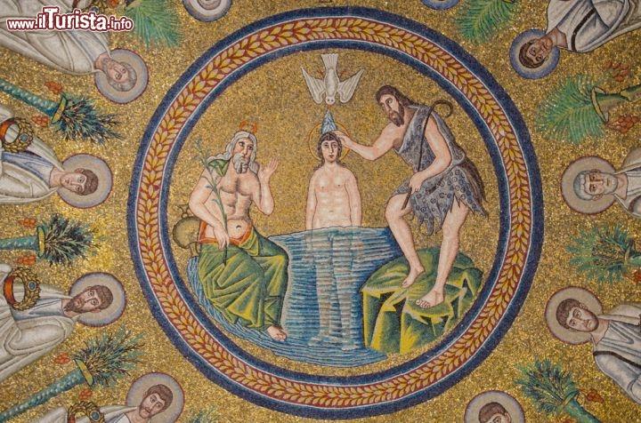 Risultati immagini per Battesimo di Gesù.