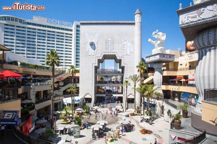 Immagine La piazza principale di Hollywood & Highland a Los Angeles  - © FiledIMAGE / Shutterstock.com