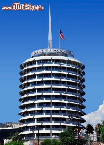 Immagine La torre di Capitol Records a Hollywood, Los Angeles  - © ruigsantos / Shutterstock.com