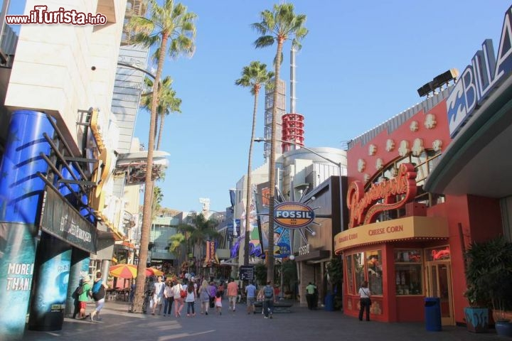 Immagine Universal CityWalk a Hollywood a due passi dal Parco a Tema Universal Studios - © Supannee Hickman / Shutterstock.com