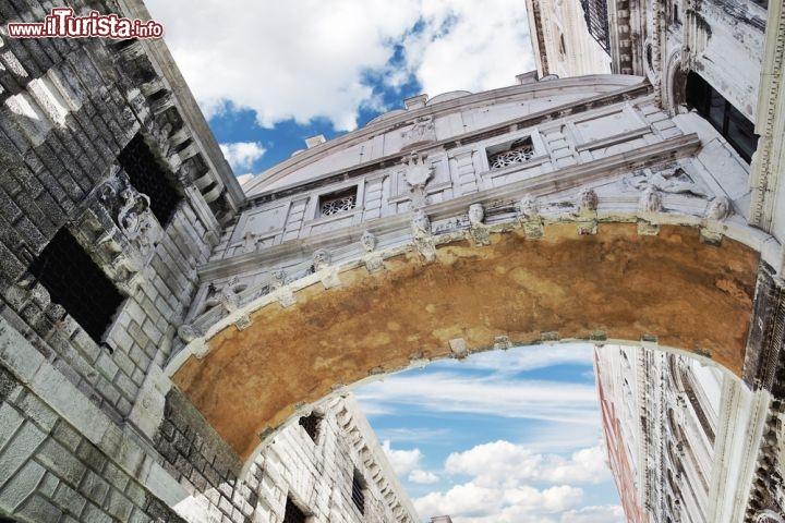 Cosi gli innamorati vedono e fotografano il ponte for Disegni di ponte anteriore