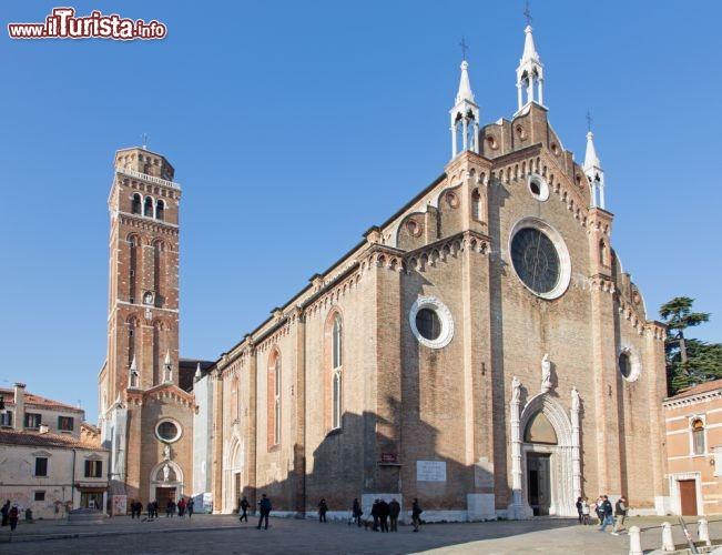 Cosa vedere e cosa visitare Basilica di Santa Maria Gloriosa dei Frari