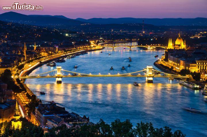Cosa vedere e cosa visitare Ponte delle Catene