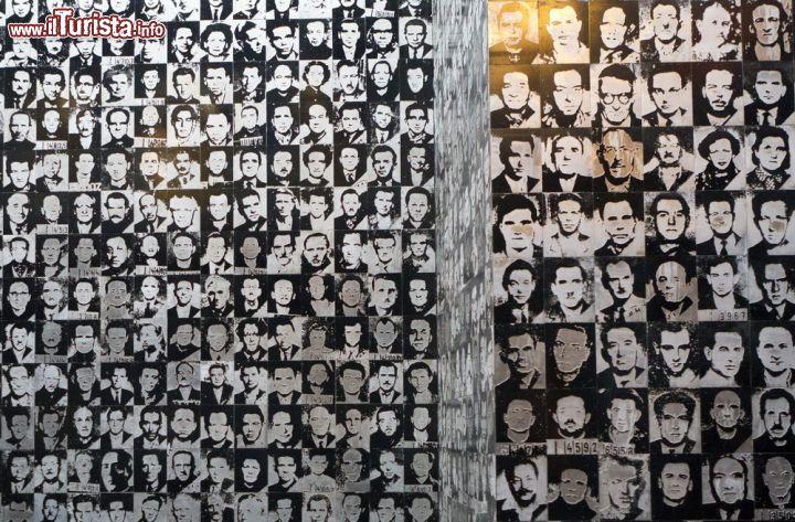 Un dettaglio delle fotografie della vittime del foto for Disegni della casa del merluzzo del capo