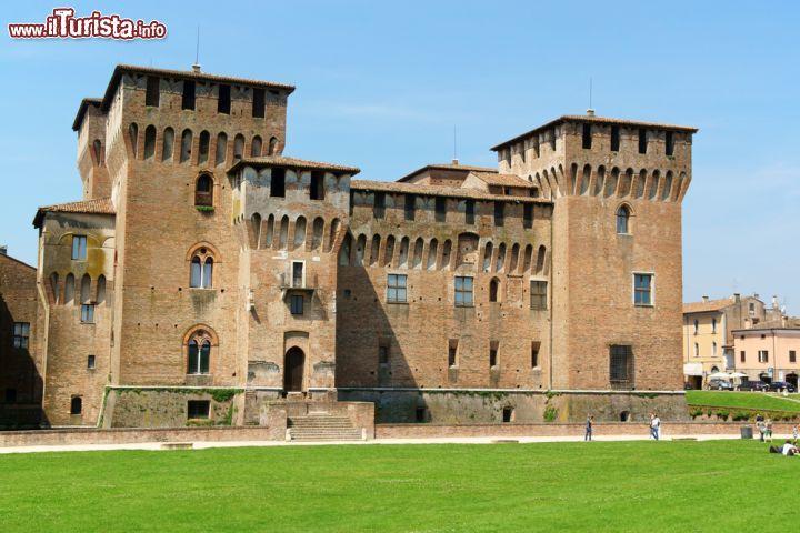 Cosa vedere e cosa visitare Castello di San Giorgio