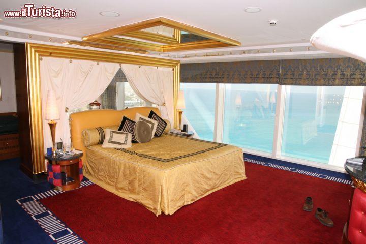 Molto Interno di una camera da letto di lusso nell'albergo  | Foto  LS32
