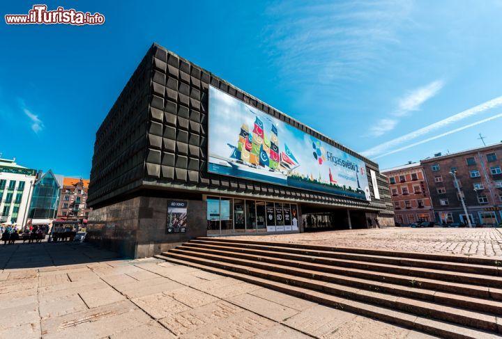 L 39 edificio moderno del museo dell 39 occupazione foto for Costo della costruzione dell edificio