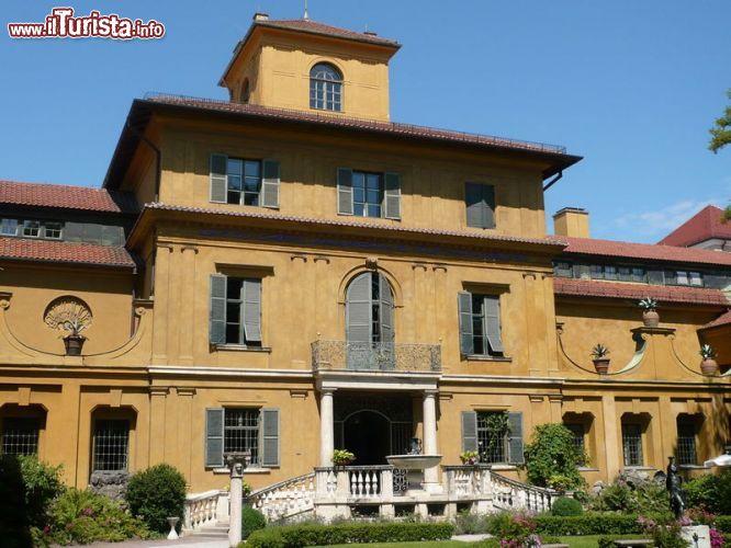 Ingresso della casa museo lenbachhaus a monaco foto for Disegni della casa del merluzzo del capo