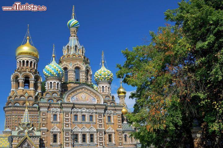 Un 39 immagine della facciata della chiesa del foto san for Costo della costruzione dell edificio