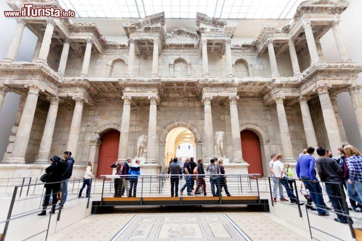 Porta del mercato di mileto siamo al pergamon foto - Porta di mileto ...