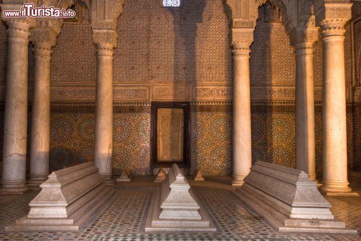 Colonnato Alle Tombe Saadiane A Sud Della Medina