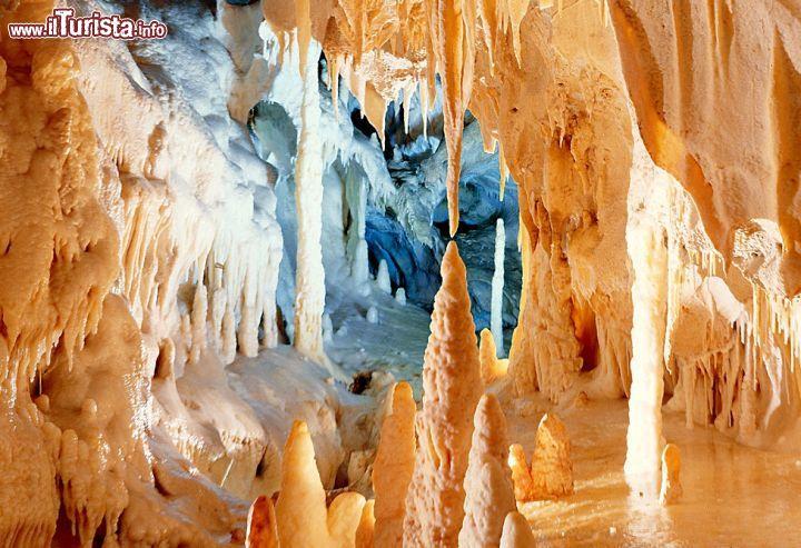 Cosa vedere e cosa visitare Grotte di Frasassi