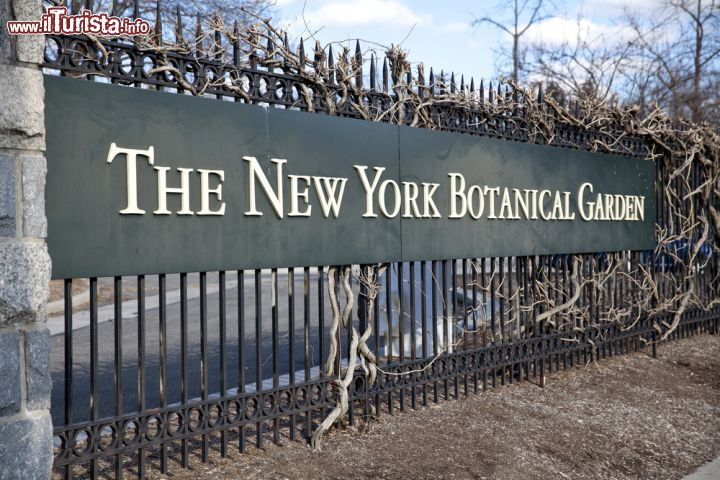 L 39 insegna del new york botanical garden foto new york city new york botanical garden for Puglia garden city ny