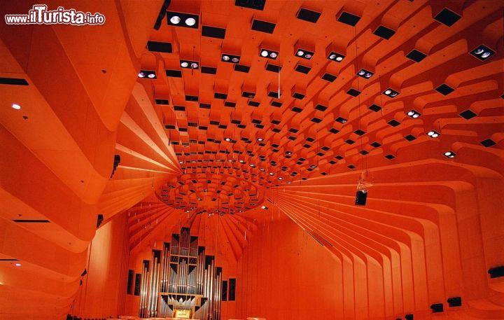 Soffitto della concert hall opera house di sydney for Soffitto della cattedrale di legno