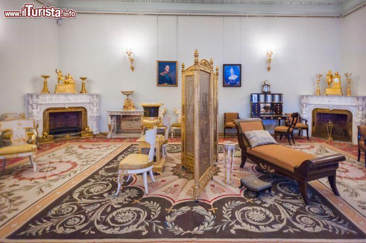 Gli arredamenti lussuosi degli zar si possono foto for Arredamenti roma sud
