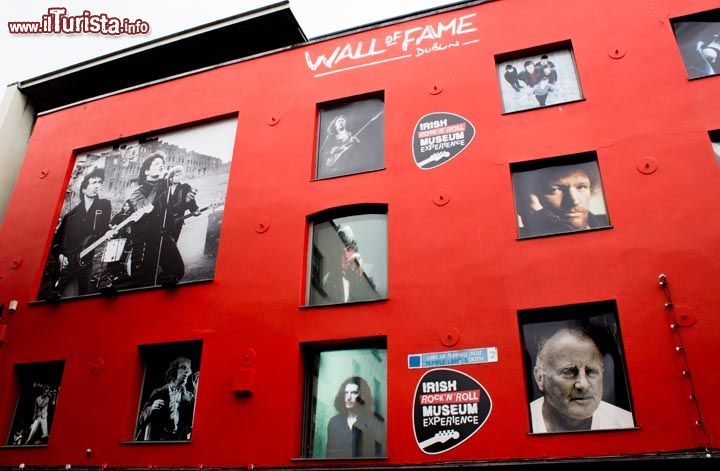 Immagine La Wall of Fame dell'Irish Rock'n Roll Museum a Dublino - © irishrocknrollmuseum.com/