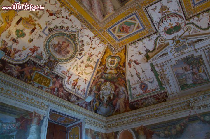 Grottesche nei soffitti di villa d 39 este a foto for Vajilla villa d este