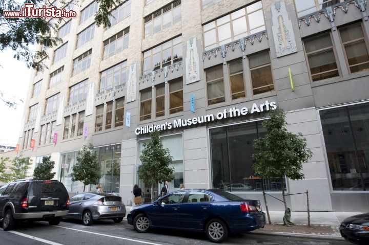 Immagine L'edificio di Charlton Street che ospita il Children's Museum of the Arts di New York City