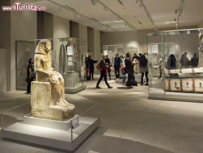 Una sala del museo egizio di torino questo foto for Disegni del mazzo del secondo piano