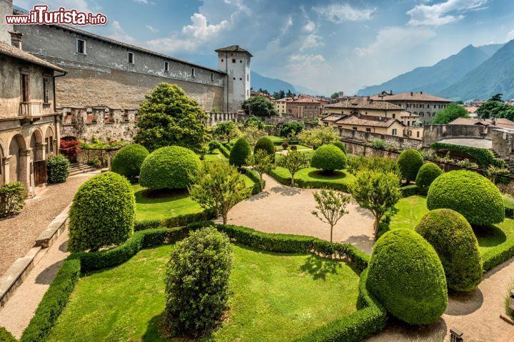 Torre aquila e il giardino del castello del buonconsiglio foto trento castello del - B b il giardino trento ...