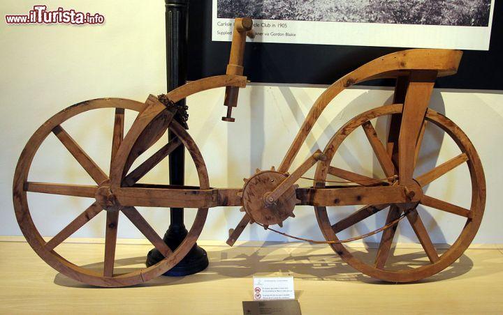 La bicicletta di leonardo esposta al museo leonardiano for Bicicletta immagini da colorare