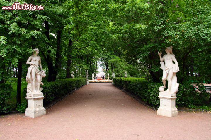 La visita al giardino d 39 estate di san pietroburgo foto san pietroburgo giardino e palazzo - Il giardino d estate ...