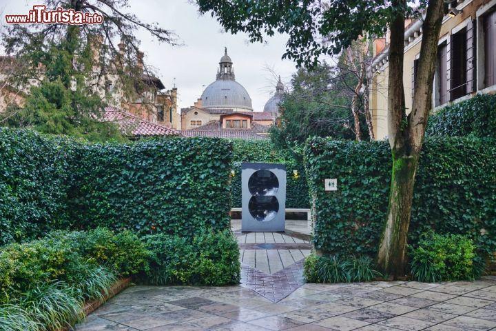 Il giardino di sculture nasher all 39 interno foto venezia collezione peggy guggenheim for Puglia garden city ny