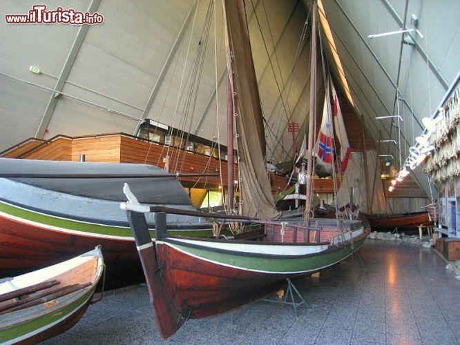 Interno Del Museo Fram Di Oslo Oltre Alla Barca