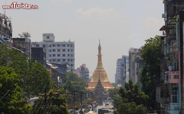 Le foto di cosa vedere e visitare a Yangon