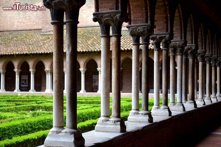 Le colonne del chiostro del couvent des jacobins for Aggiornare le colonne del portico