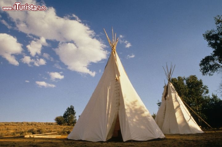 Wyoming: le tipiche tipis, le tende indiane. Credit: Pete Saloutos