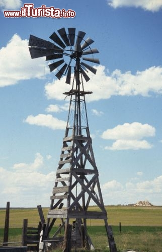 Un mulino a vento del Wyoming (windmill). Credit: Wyoming Travel & Tourism