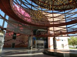 Il teatro IMAX all'interno del complesso del California Science Center di Los Angeles - © Jengod - CC BY-SA 3.0 - Wikipedia
