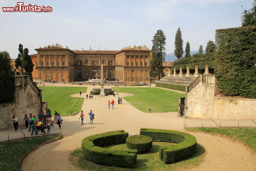 Palazzo pitti e i giardini boboli a firenze foto firenze palazzo pitti - I giardini di boboli ...