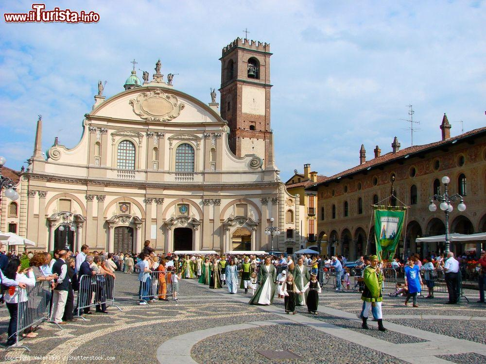 Cosa vedere e cosa visitare Cattedrale di Sant\'Ambrogio / Duomo