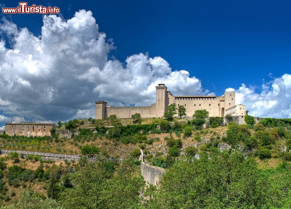 Cosa vedere e cosa visitare Rocca Albornoziana