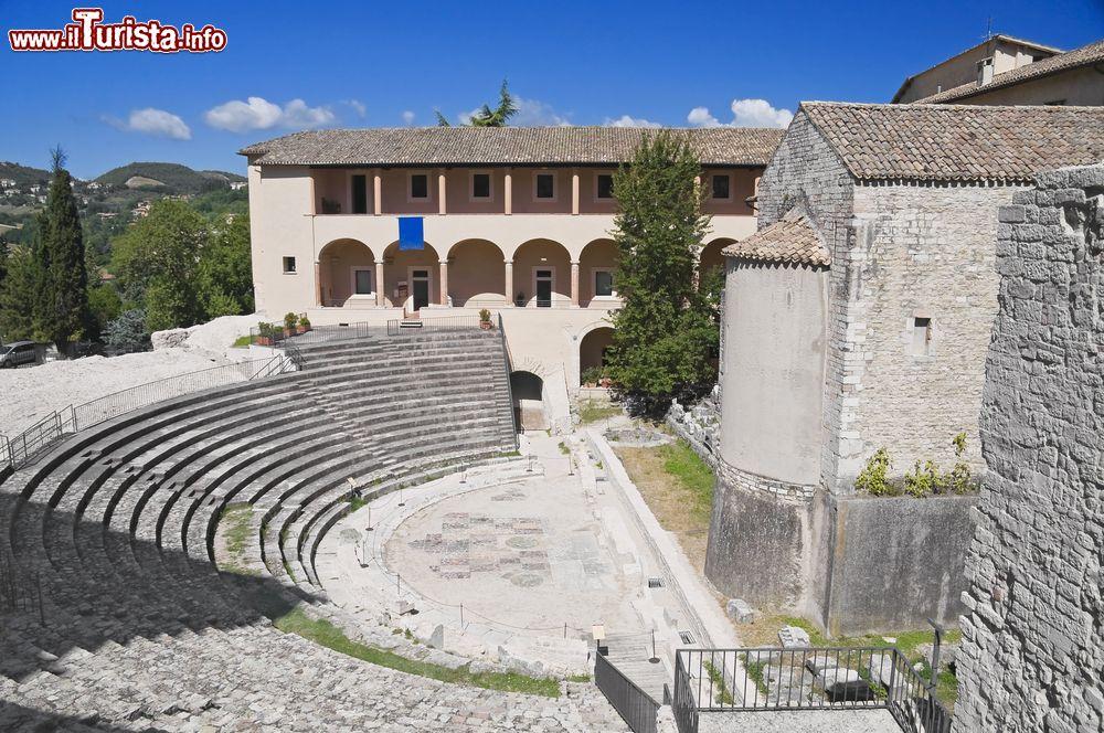 Cosa vedere e cosa visitare Teatro Romano e Museo Archeologico